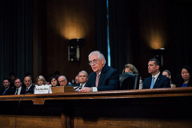 Rex Tillerson a szenátusi meghallgatáson. Talán nem tájékoztatták a lobbizásról? (fotó: Flickr/Prachatai)