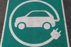 autó, autópálya, benzin, elektromobilitás, elektromos autó, energiaszolgáltató, gépjármű, közlekedés, olaj, töltőállomás, villanyautó, zéróemissziós, zöld gazdaság