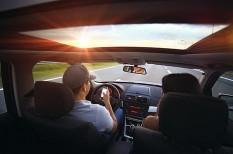 baleset, biztosítás, közlekedésbiztonság, mobiltelefon, okostelefon