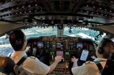 automatizálás, computer vezérlés, önvezető repülő, pilóta