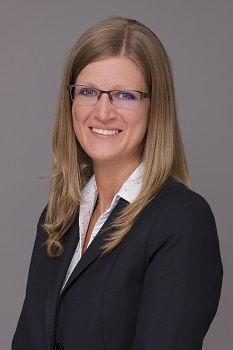 dr. Parázsó Helga