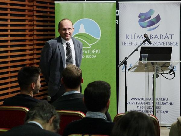 Dr. Csiszár Csaba, a BME docense - Fotó: Sárközy György