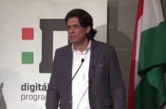 Deutsch Tamás, digitális jólét program, internet, wifi pontok
