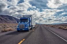 önjáró kamion, robotsofőr, startup, usa