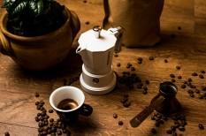 barista, gasztronómia, kávéfőzés, kotyogós