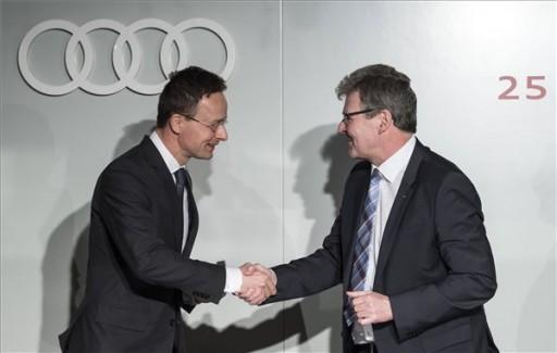 Szijjártó Péter külgazdasági és külügyminiszter és Achim Heinfling Kép: MTI
