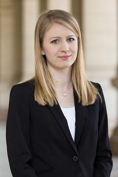 Dr. Ila-Horváth Eszter