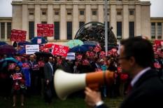 bérek, ENSZ-alkalmazottak, Genf, new york, tüntetés