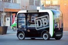 Berlin, önjáró kisbusz, tömegközlekedés