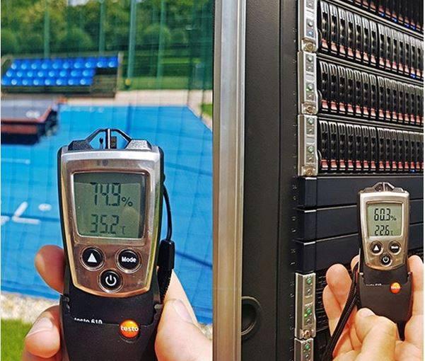 Kánikula_hőmérséklet a szabadban és a Doclernet szervertermében