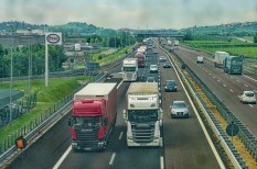 autópálya, biztonság, kamion, reklám