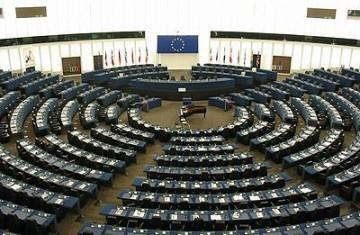adat, európai parlament, európai törvényszék, hozzáférés, ítélet, képviselő, költségek