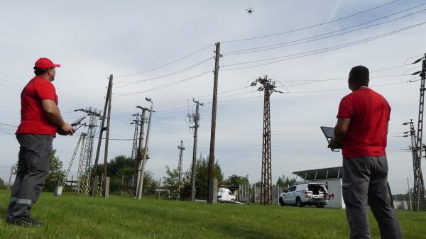 Drónnal ellenőrzik a hálózatot