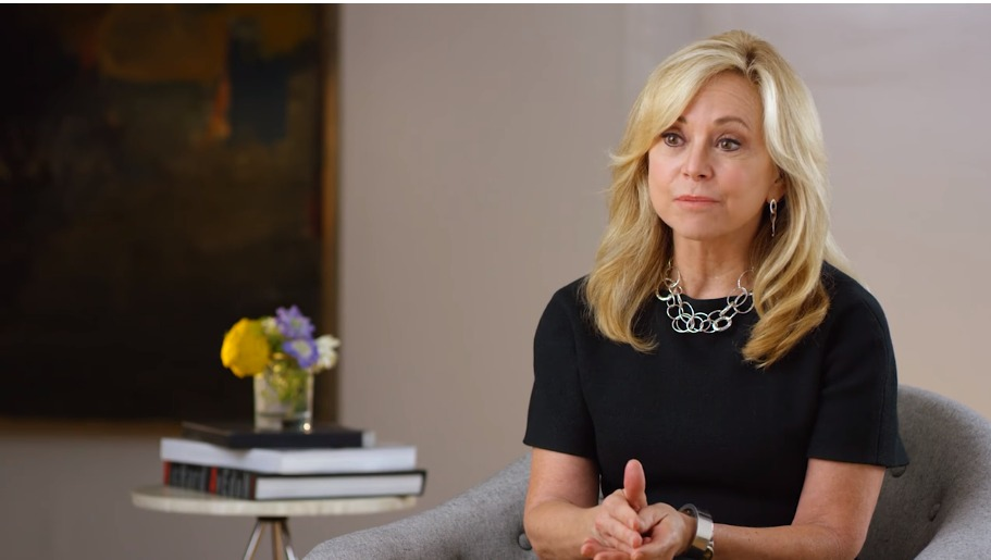 Julie Wainwright, a RealReal alapítója (Fotó: YouTube/RealReal)