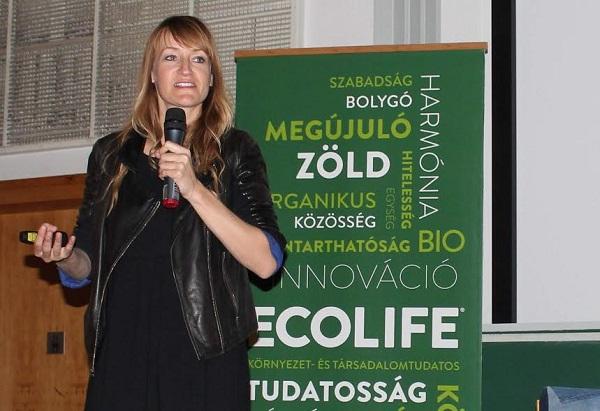 Az írónő könyvének bemutatóján Budapesten - Kép: Tercium Kiadó