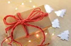 ajándék, csomagbetét, hűség, marketing, vevő, webkereskedelem