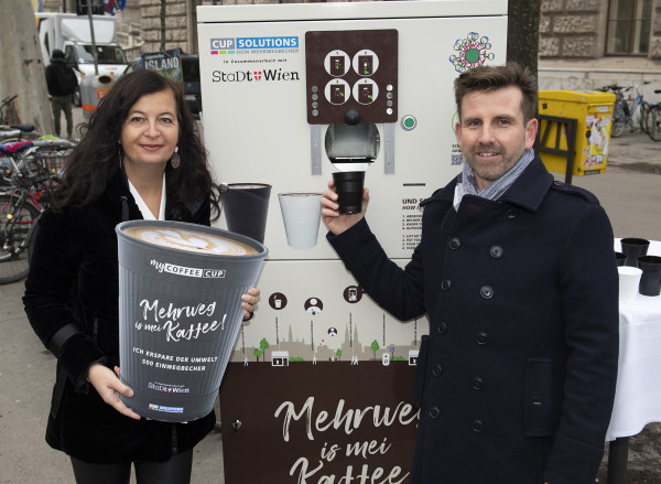 Ilyen automatáknál lehet majd visszaadni a kávéspoharakat Bécsben © PID / Ismail Gokmen