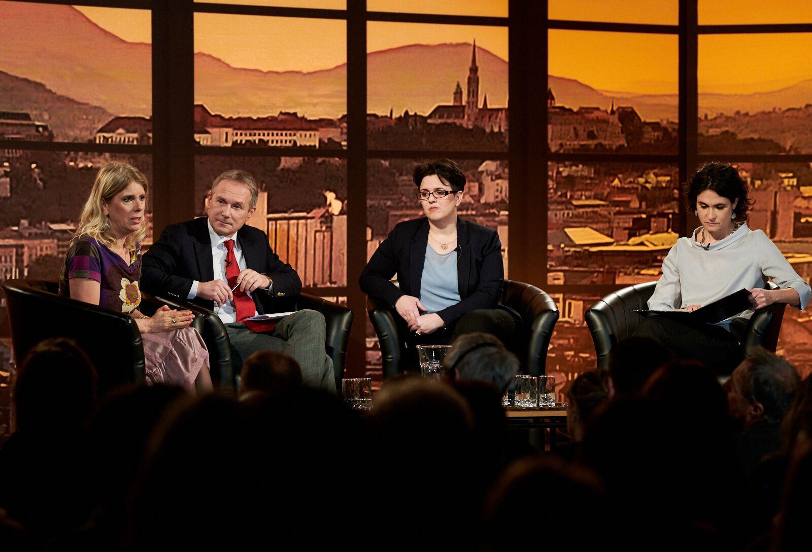 Balról-jobbra: Ürge-Vorsatz Diána, Kőrösi Csaba és Nagy Réka. (Fotó: CEU/Vegel Dániel)