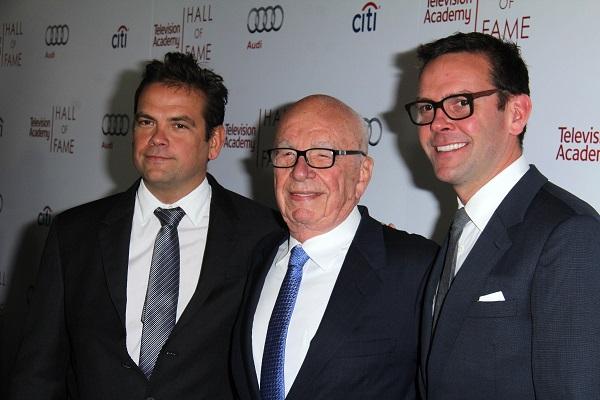 A három Murdoch (balról) Lachlan, Rupert és James