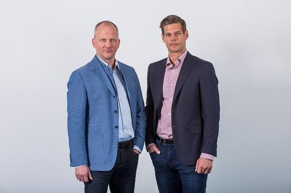 """Hunyady László (balra) és Fazekas Bálint (jobbra): """"A harminc év értékeit és a cég múltját örökítjük át az új megjelenéssel"""""""