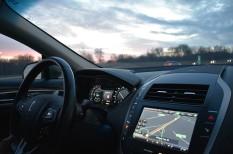 autózás, kockázat, mobil, navigáció, telefonálás, veszély