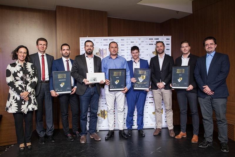 A Continental Automotive Hungary Kft. nyerte az Év Gyára 2018 díjat a 10 milliárd forint feletti éves nettó árbevétel kategóriában. A díjat Vándor Ágnes, a PPH Media ügyvezetője (bal szélen) adta át a gyáregység menedzsmentje részére.