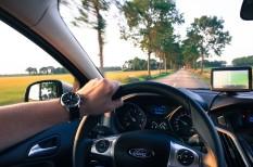 gyorshajtás, kresz, szabálysértés, telefonálás, vezetés