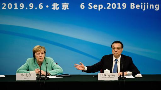 Li Ko-csiang kínai miniszterelnök és Angela Merkel német kancellár MTI/EPA/Clemens Bilan