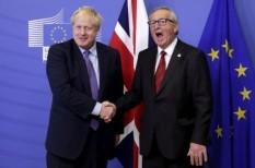 Kiegyezett Johnson és Juncker, de még nincs vége a kínlódásnak